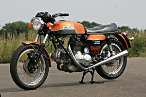 ducati-gt750-1971