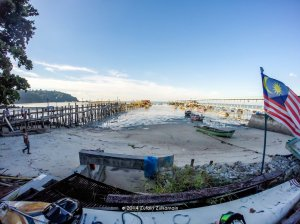 old_and_new_jetty_at_teluk_bahang_by_zufairi-d82nngf