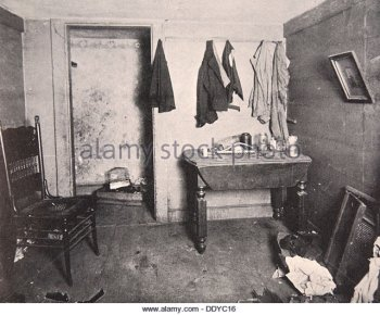 tenement-housing-new-york-city-usa-1890s-ddyc16.jpg